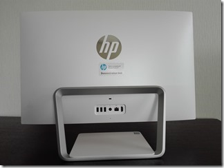 「HP Pavilion 24-a270jp」の背面