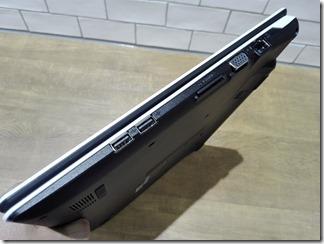 「m-Book B504E」の右側面