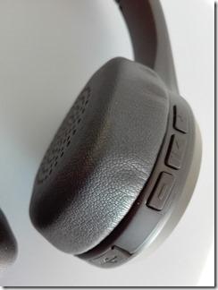 「SoundPEATS A1 Pro」の操作ボタン