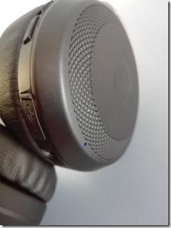 「SoundPEATS A1 Pro」のLEDインジケータ