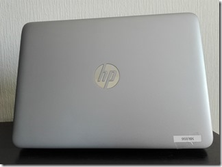 HP EliteBook 820 G3の天板