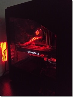 「OMEN by HP Desktop 880-184jp」のサイドパネル
