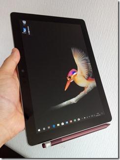 「Surface Go」のサイズ感