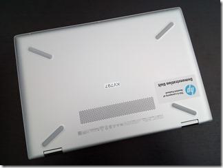 「HP Pavilion x360 14-cd0000」底面