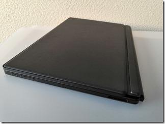 「dynabook DZ83/J」薄型・軽量キーボード閉じたとき