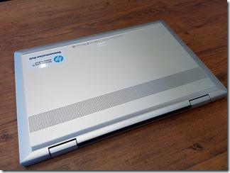 HP ENVY 15 x360底面